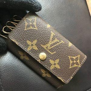 authentic Louis Vuitton 6 KSU Holder Monogram